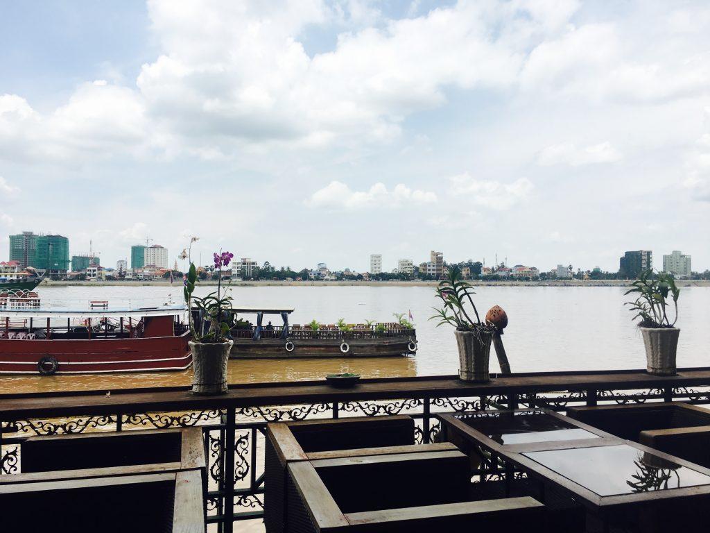 mekong, phnom penh, cambodja, titanic restaurant